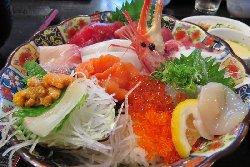 魚啓 特上海鮮丼