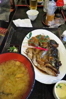 魚啓 カンパチの煮付け定食