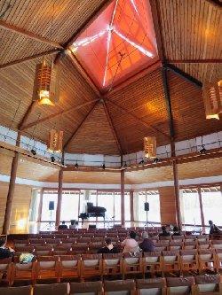 八ヶ岳高原ロッジ コンサートホール