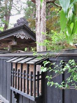 武家屋敷の塀
