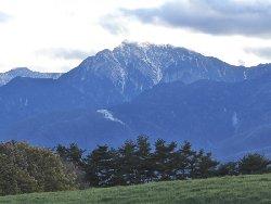 甲斐駒ヶ岳と日向山