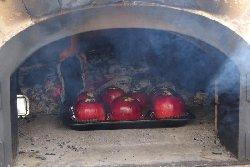 石窯で焼きリンゴ