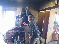薪窯の温度を調整