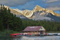 マリン湖(Maligne Lake)