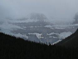 氷河の約900mの断崖
