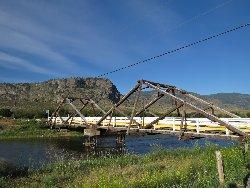 R22の木造の橋