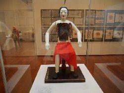 現存する唯一の医学生き人形と考えられる貴重な史料だそうです。