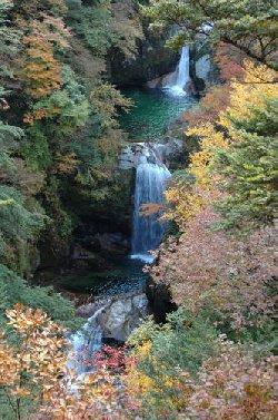 神蛇の滝の紅葉