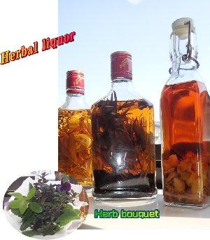 小さな花束とハーブ酒
